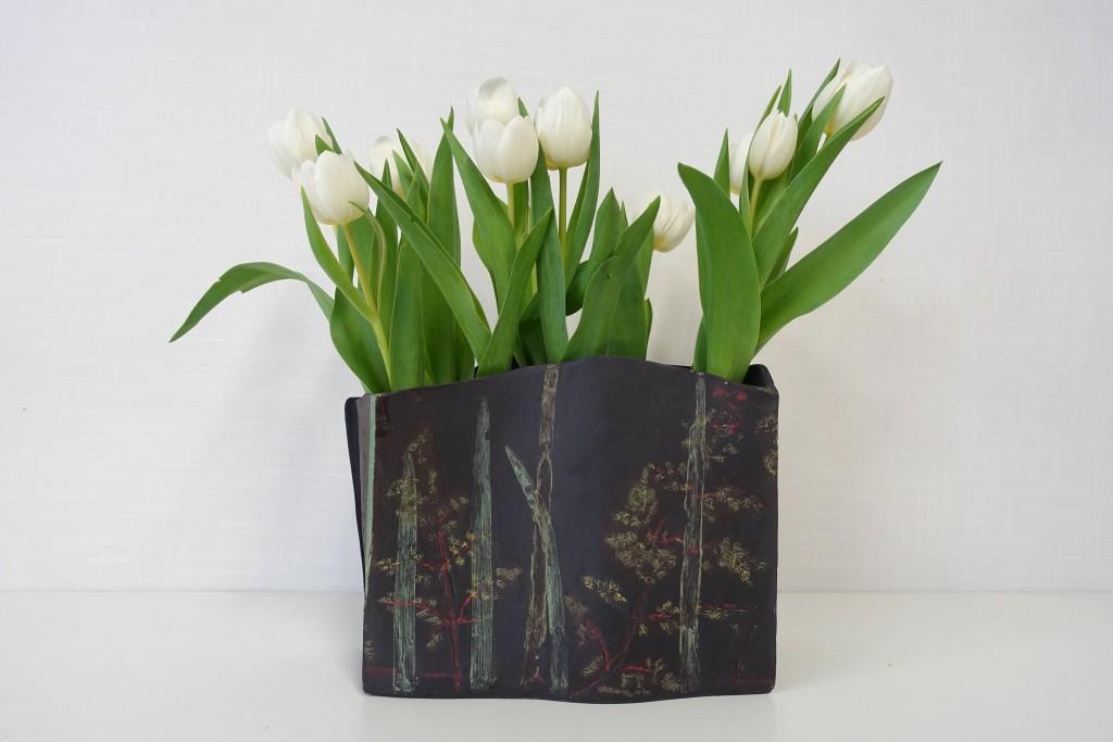 DSC05725.jpg vaas venkelblad met tulpen